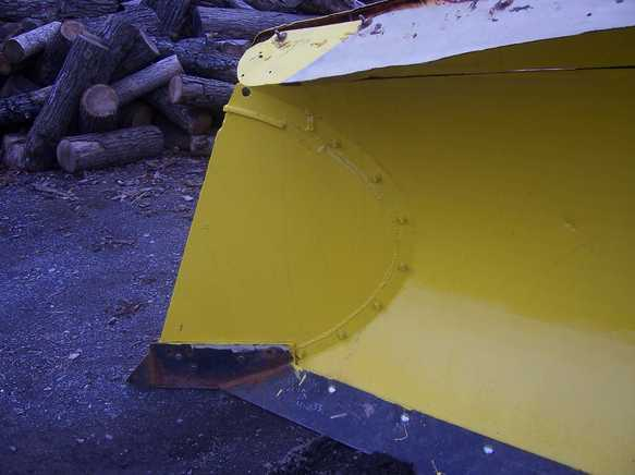 http://www.badgoat.net/Old Snow Plow Equipment/Plow Equipment/Power Angle V Plow/Power Angle V-Plow/GW583H436-3.jpg