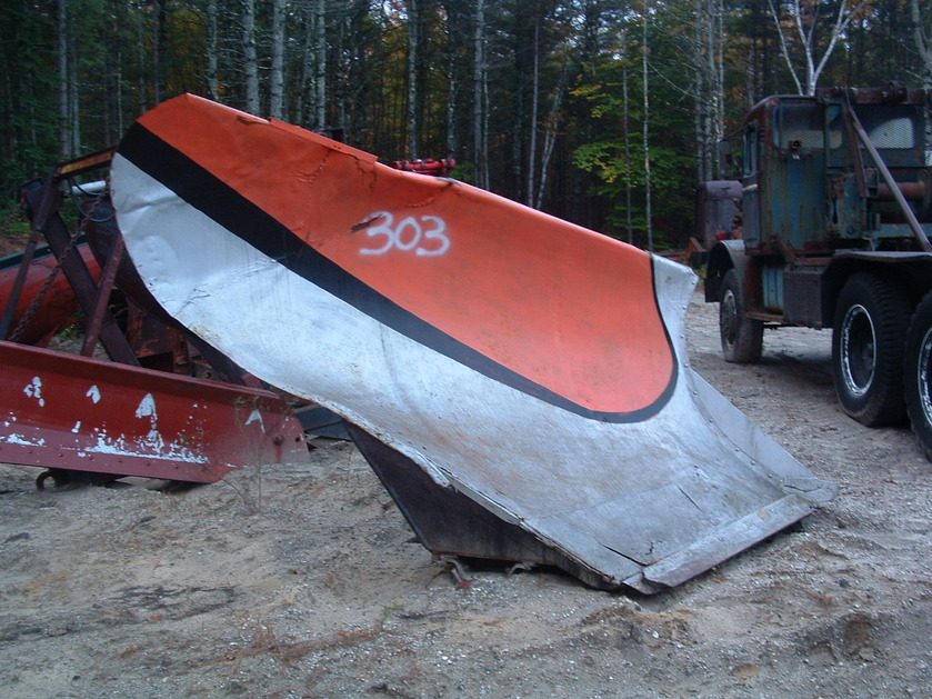 http://www.badgoat.net/Old Snow Plow Equipment/Plow Equipment/Snow Plow Manufacturers/Miscellaneous Vee Plows/GW839H629-11.jpg