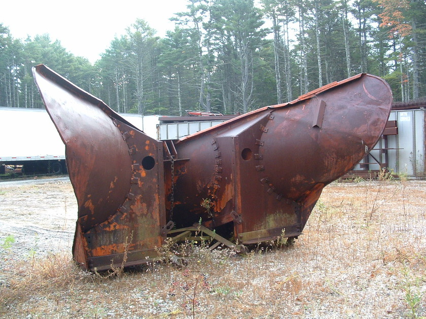 http://www.badgoat.net/Old Snow Plow Equipment/Plow Equipment/Snow Plow Manufacturers/Miscellaneous Vee Plows/GW839H629-12.jpg