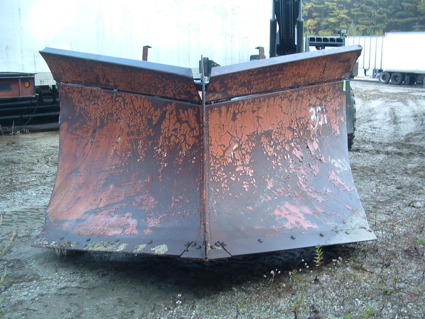 http://www.badgoat.net/Old Snow Plow Equipment/Plow Equipment/Snow Plow Manufacturers/Miscellaneous Vee Plows/GW839H629-13.jpg