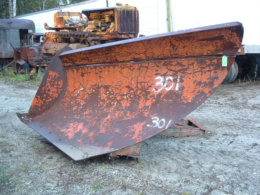http://www.badgoat.net/Old Snow Plow Equipment/Plow Equipment/Snow Plow Manufacturers/Miscellaneous Vee Plows/GW839H629-14.jpg