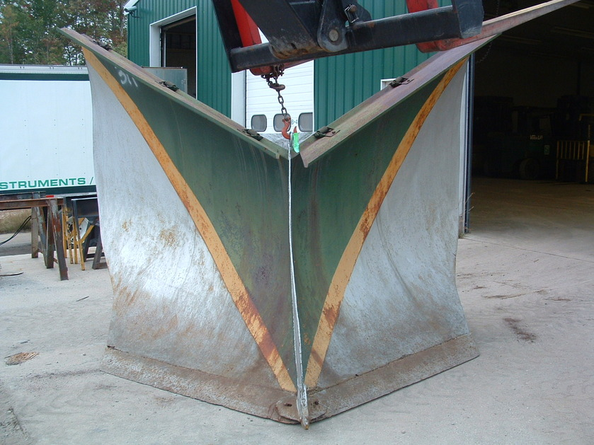 http://www.badgoat.net/Old Snow Plow Equipment/Plow Equipment/Snow Plow Manufacturers/Ross Snow Plows/GW839H629-1.jpg