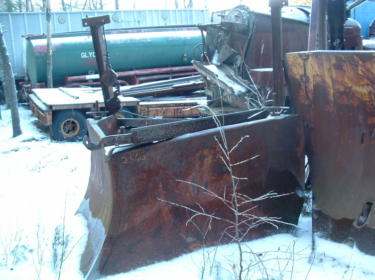 http://www.badgoat.net/Old Snow Plow Equipment/Plow Equipment/Snow Plow Manufacturers/Sargent Snow Plows/GW753H563-12.jpg