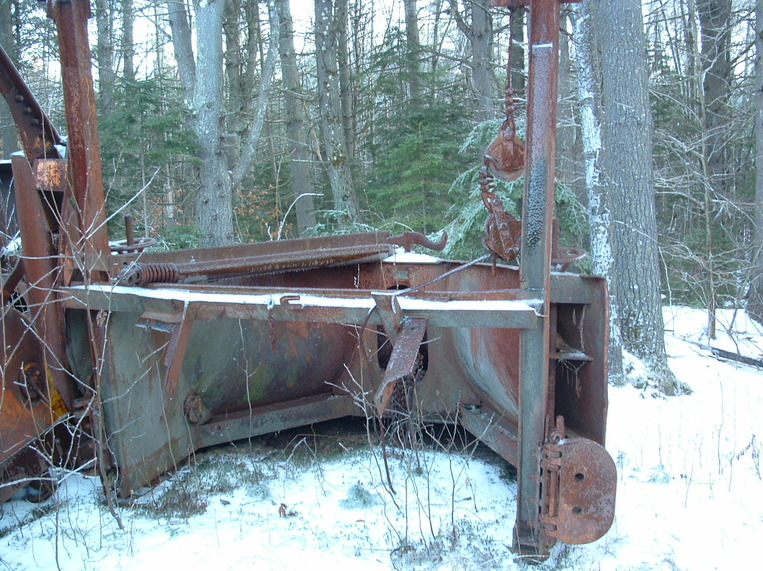 http://www.badgoat.net/Old Snow Plow Equipment/Plow Equipment/Snow Plow Manufacturers/Sargent Snow Plows/GW763H571-11.jpg