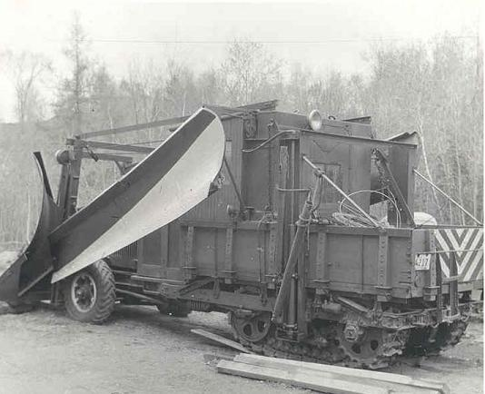 http://www.badgoat.net/Old Snow Plow Equipment/Plow Equipment/Snow Plow Manufacturers/Track Machine Snow Plows/GW534H434-7.jpg