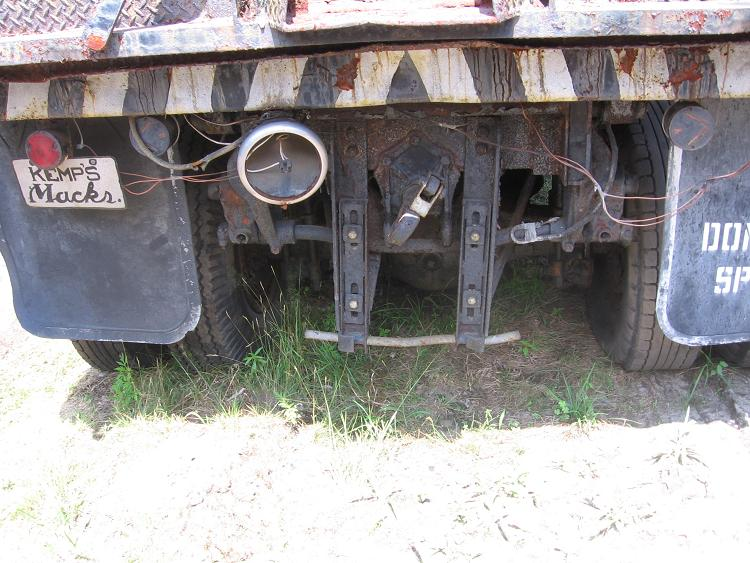http://www.badgoat.net/Old Snow Plow Equipment/Plow Equipment/Snow Plow Manufacturers/Wall Spreader Truck/GW750H563-5.jpg