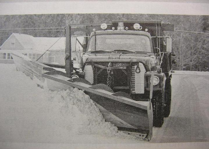 http://www.badgoat.net/Old Snow Plow Equipment/Truck Collections/Town of Springfield Trucks/Town of Springfield/GW718H513-21.jpg