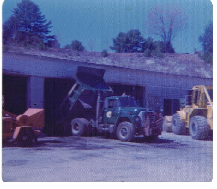 http://www.badgoat.net/Old Snow Plow Equipment/Truck Collections/Town of Springfield Trucks/Town of Springfield/GW725H629-10.jpg