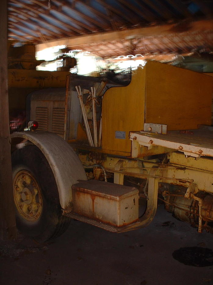 http://www.badgoat.net/Old Snow Plow Equipment/Trucks/FWD Trucks/FWD with auger/GW698H933-7.jpg
