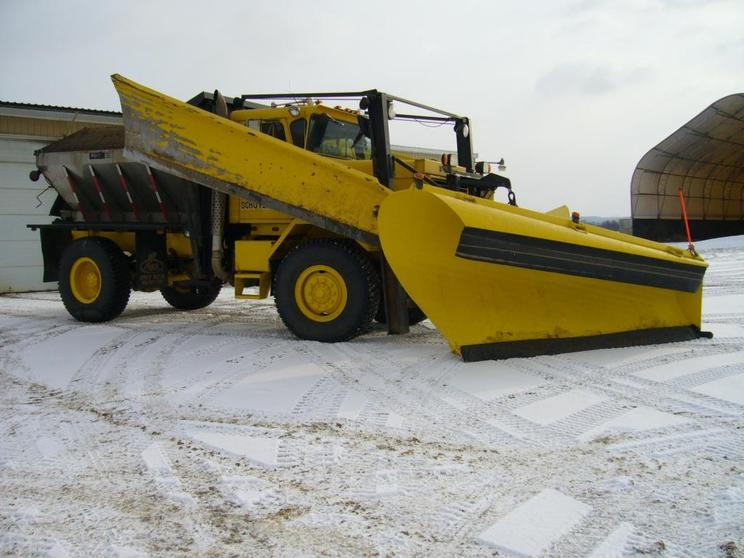 http://www.badgoat.net/Old Snow Plow Equipment/Trucks/FWD Trucks/FWD's of Upstate New York/GW744H558-3.jpg