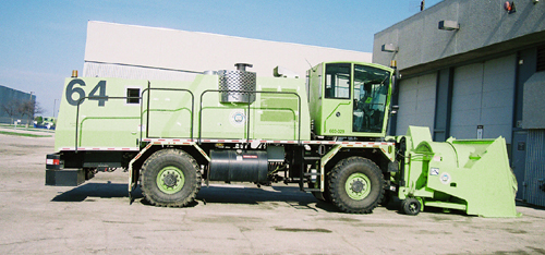 http://www.badgoat.net/Old Snow Plow Equipment/Trucks/FWD Trucks/FWD's/GW500H234-23.jpg