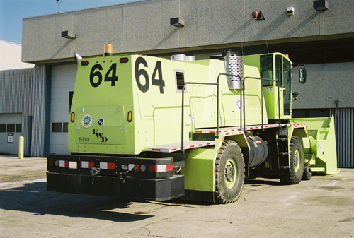 http://www.badgoat.net/Old Snow Plow Equipment/Trucks/FWD Trucks/FWD's/GW500H337-25.jpg