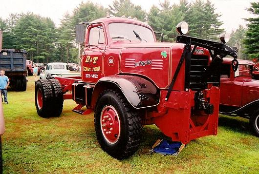 http://www.badgoat.net/Old Snow Plow Equipment/Trucks/FWD Trucks/FWD's/GW530H357-22.jpg