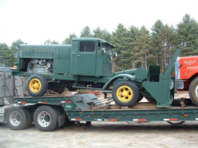 http://www.badgoat.net/Old Snow Plow Equipment/Trucks/FWD Trucks/Gushee FWD Rotary Plow/GW839H629-1.jpg