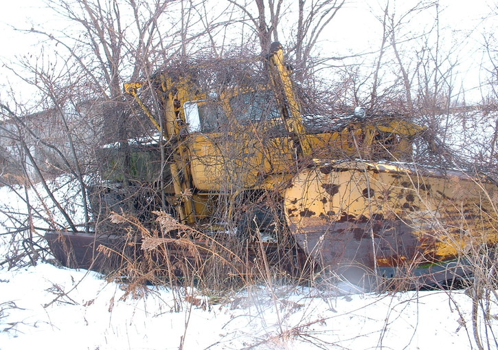 http://www.badgoat.net/Old Snow Plow Equipment/Trucks/FWD Trucks/Lawrence Park FWD's/GW725H509-5.jpg
