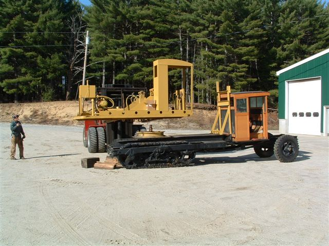 http://www.badgoat.net/Old%20Snow%20Plow%20Equipment/Trucks/Linn%20Tractor/Daryl%20Gushee%20Gradall%20Linn/GW640H480-11.jpg