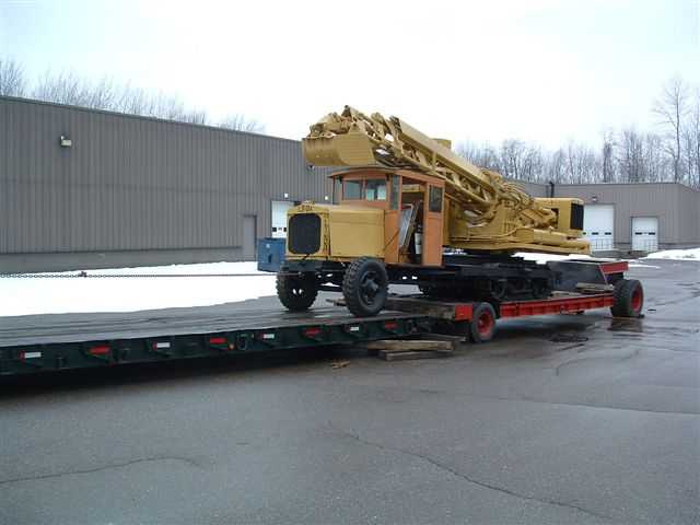 http://www.badgoat.net/Old%20Snow%20Plow%20Equipment/Trucks/Linn%20Tractor/Daryl%20Gushee%20Gradall%20Linn/GW640H480-3.jpg