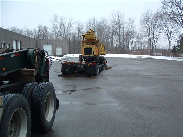 http://www.badgoat.net/Old%20Snow%20Plow%20Equipment/Trucks/Linn%20Tractor/Daryl%20Gushee%20Gradall%20Linn/GW640H480-4.jpg