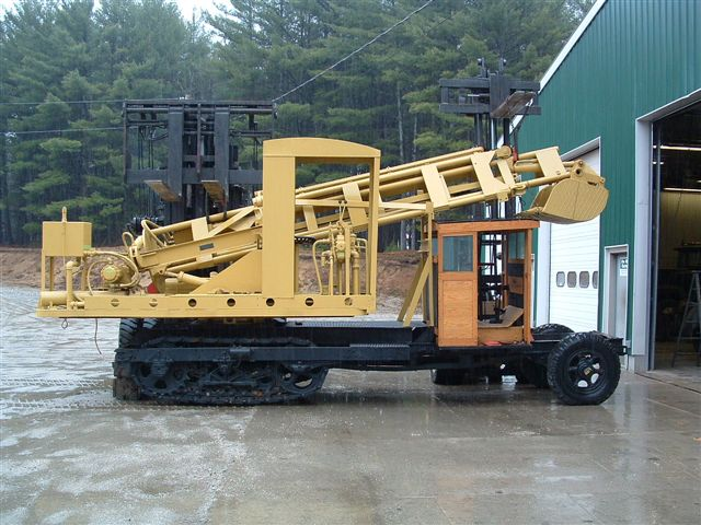 http://www.badgoat.net/Old%20Snow%20Plow%20Equipment/Trucks/Linn%20Tractor/Daryl%20Gushee%20Gradall%20Linn/GW640H480-9.jpg
