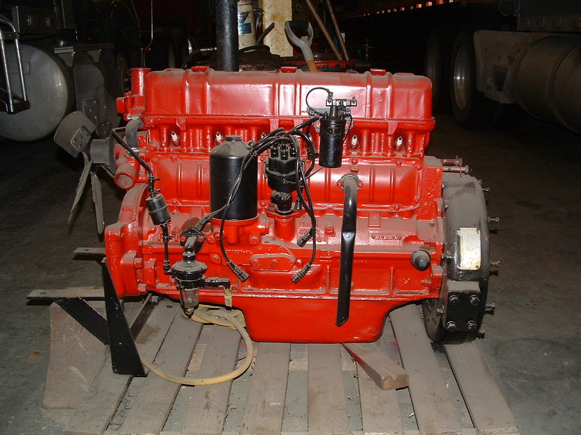 http://www.badgoat.net/Old%20Snow%20Plow%20Equipment/Trucks/Linn%20Tractor/Daryl%20Gushee%20Gradall%20Linn/GW839H629-24.jpg