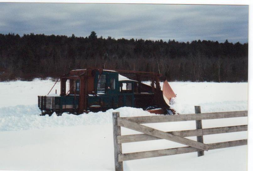 http://www.badgoat.net/Old Snow Plow Equipment/Trucks/Linn Tractor/Daryl Gushee's 1934 Snowplow Linn/GW806H546-14.jpg