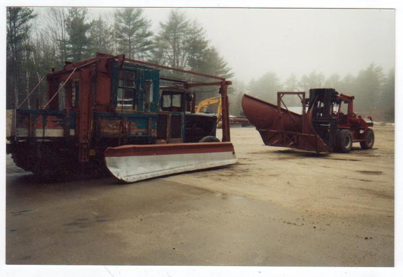 http://www.badgoat.net/Old Snow Plow Equipment/Trucks/Linn Tractor/Daryl Gushee's 1934 Snowplow Linn/GW818H564-17.jpg