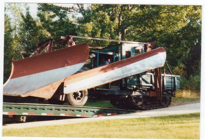 http://www.badgoat.net/Old Snow Plow Equipment/Trucks/Linn Tractor/Daryl Gushee's 1934 Snowplow Linn/GW820H561-4.jpg