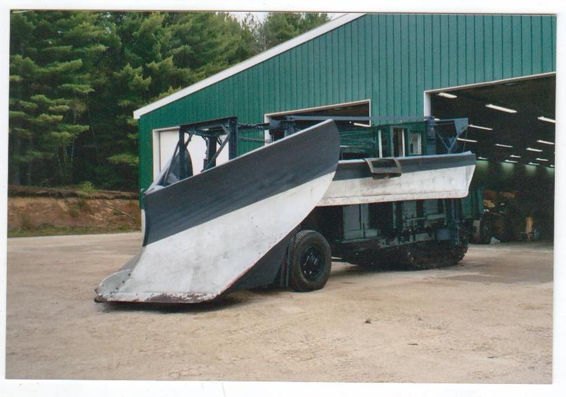 http://www.badgoat.net/Old Snow Plow Equipment/Trucks/Linn Tractor/Daryl Gushee's 1934 Snowplow Linn/GW820H575-25.jpg