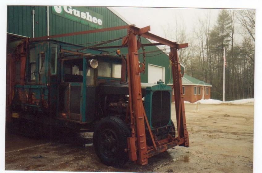 http://www.badgoat.net/Old Snow Plow Equipment/Trucks/Linn Tractor/Daryl Gushee's 1934 Snowplow Linn/GW848H561-20.jpg