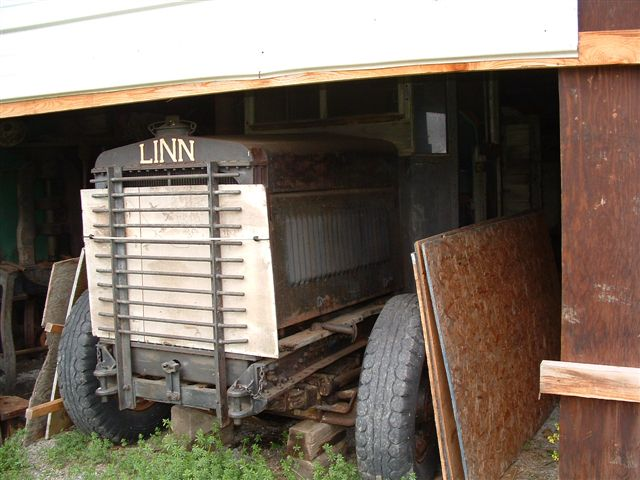 http://www.badgoat.net/Old Snow Plow Equipment/Trucks/Linn Tractor/Linn Tractors/GW640H480-30.jpg