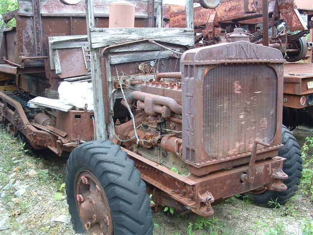 http://www.badgoat.net/Old Snow Plow Equipment/Trucks/Linn Tractor/Linn Tractors/GW640H480-32.jpg