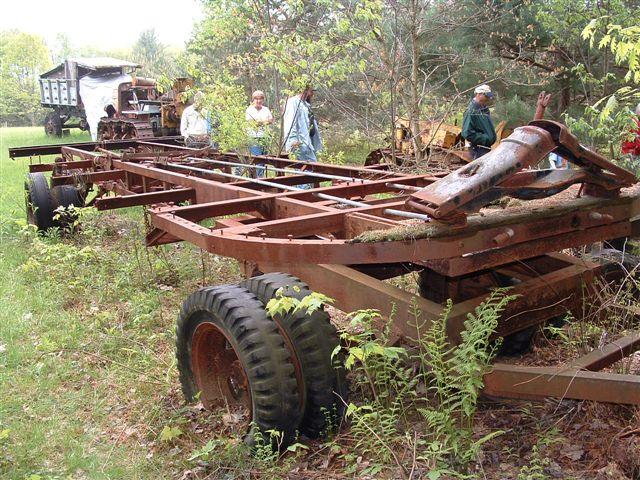http://www.badgoat.net/Old Snow Plow Equipment/Trucks/Linn Tractor/Linn Tractors/GW640H480-34.jpg