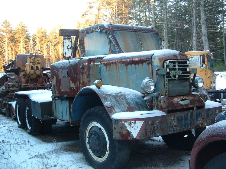 http://www.badgoat.net/Old Snow Plow Equipment/Trucks/Mack Snow Fighters/Gushee Mack NO/GW748H560_02.jpg