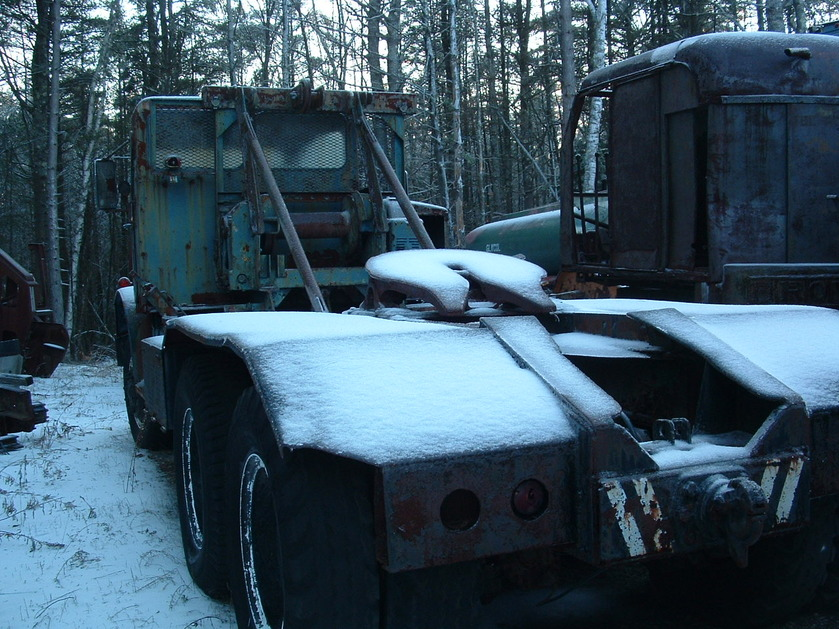 http://www.badgoat.net/Old Snow Plow Equipment/Trucks/Mack Snow Fighters/Gushee Mack NO/GW839H629_03.jpg