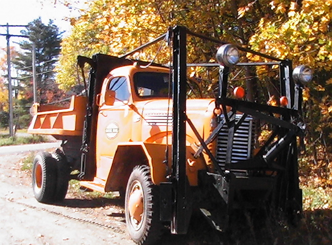 http://www.badgoat.net/Old Snow Plow Equipment/Trucks/Marmon Herrington  Howe Coleman 4WD Conversion Trucks/Marmon Harrington and Howe Coleman Conversions/GW650H480-24.jpg