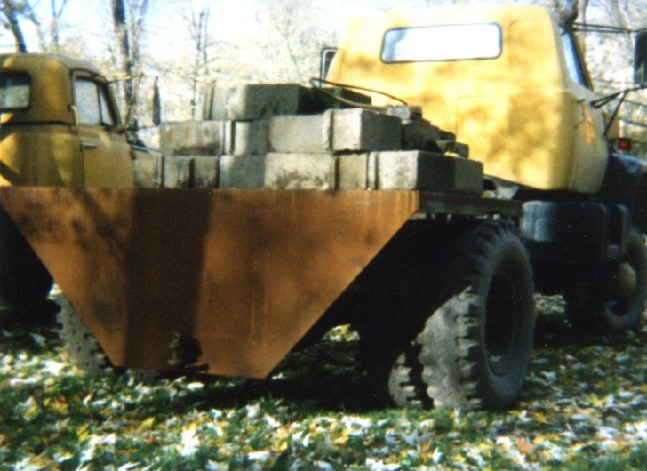 http://www.badgoat.net/Old Snow Plow Equipment/Trucks/Marmon Herrington  Howe Coleman 4WD Conversion Trucks/Marmon Harrington and Howe Coleman Conversions/GW728H530-27.jpg