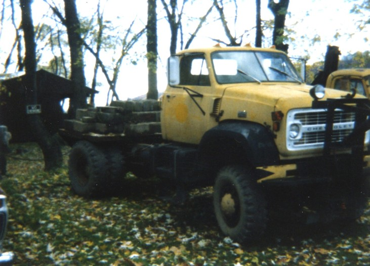 http://www.badgoat.net/Old Snow Plow Equipment/Trucks/Marmon Herrington  Howe Coleman 4WD Conversion Trucks/Marmon Harrington and Howe Coleman Conversions/GW731H526-26.jpg