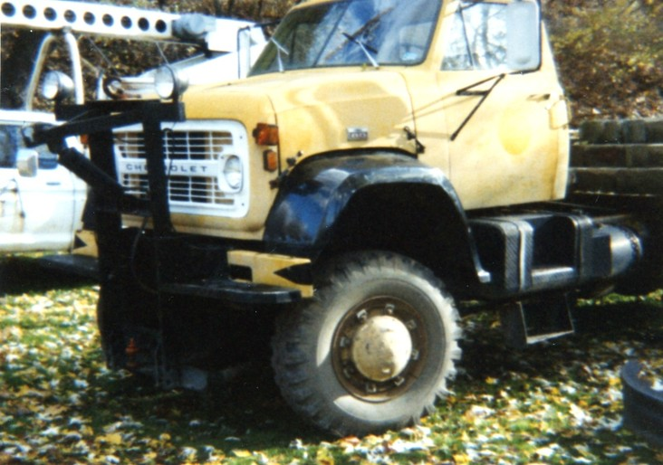http://www.badgoat.net/Old Snow Plow Equipment/Trucks/Marmon Herrington  Howe Coleman 4WD Conversion Trucks/Marmon Harrington and Howe Coleman Conversions/GW732H514-25.jpg