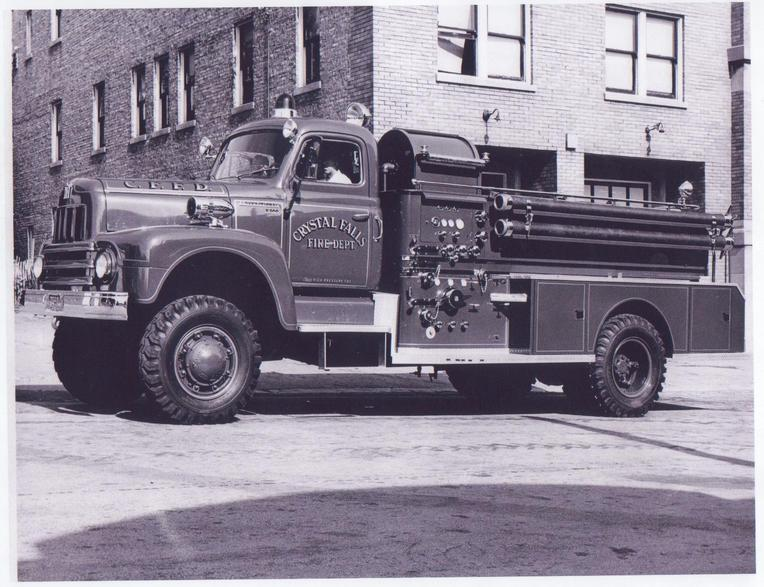 http://www.badgoat.net/Old Snow Plow Equipment/Trucks/Marmon Herrington  Howe Coleman 4WD Conversion Trucks/Marmon Harrington and Howe Coleman Conversions/GW764H587-29.jpg