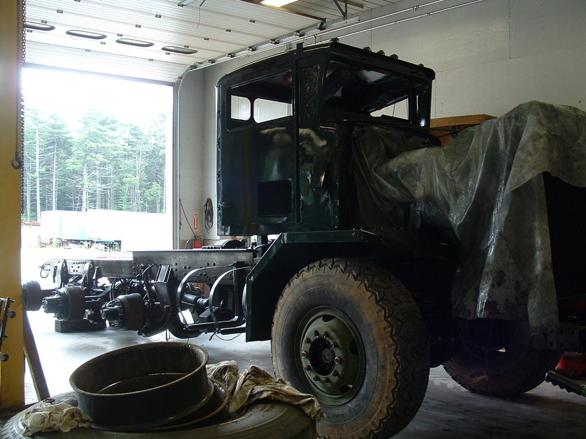 http://www.badgoat.net/Old Snow Plow Equipment/Trucks/Oshkosh Plow Trucks/Daryl Gushee's M-911/GW839H629-10.jpg