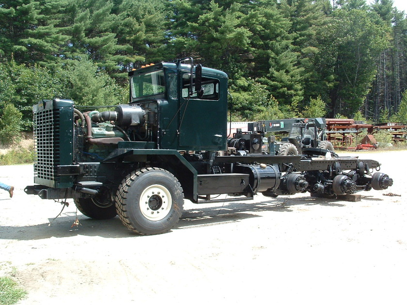 http://www.badgoat.net/Old Snow Plow Equipment/Trucks/Oshkosh Plow Trucks/Daryl Gushee's M-911/GW839H629-12.jpg