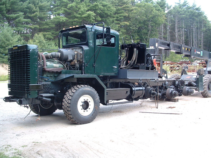 http://www.badgoat.net/Old Snow Plow Equipment/Trucks/Oshkosh Plow Trucks/Daryl Gushee's M-911/GW839H629-15.jpg