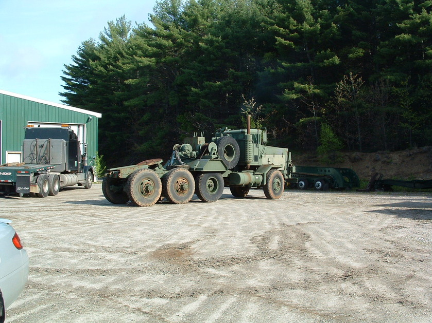 http://www.badgoat.net/Old Snow Plow Equipment/Trucks/Oshkosh Plow Trucks/Daryl Gushee's M-911/GW839H629-5.jpg