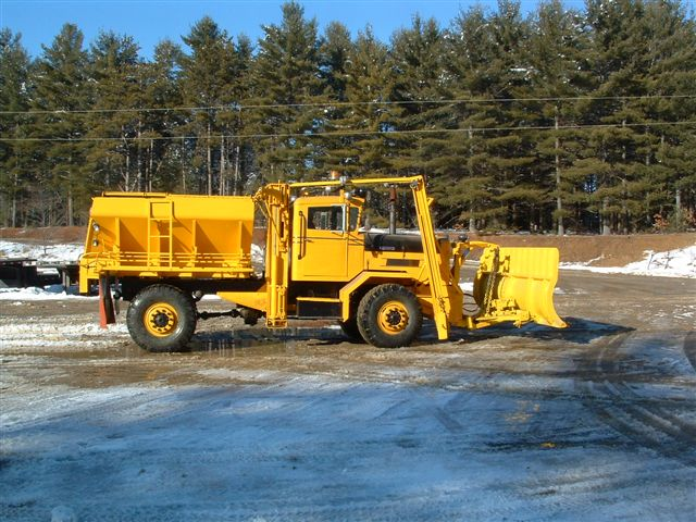 http://www.badgoat.net/Old Snow Plow Equipment/Trucks/Oshkosh Plow Trucks/Gushee's 1963 Oshkosh/GW640H480-2.jpg