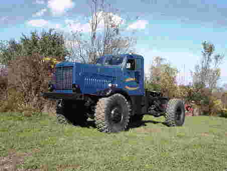 http://www.badgoat.net/Old Snow Plow Equipment/Trucks/Oshkosh Plow Trucks/Oshkosh Trucks/GW452H341-3.jpg