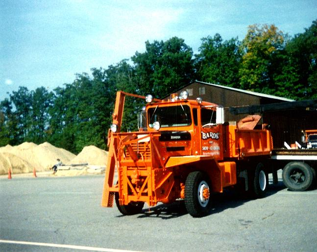 http://www.badgoat.net/Old Snow Plow Equipment/Trucks/Oshkosh Plow Trucks/Oshkosh Trucks/GW647H515-11.jpg