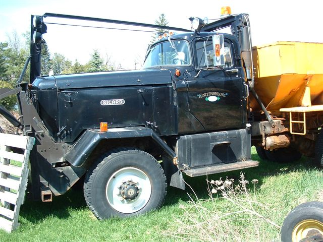 http://www.badgoat.net/Old Snow Plow Equipment/Trucks/Sicard Plow Trucks/Sicard Plow Truck/GW640H480-3.jpg