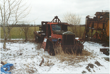 http://www.badgoat.net/Old Snow Plow Equipment/Trucks/Sterling Trucks/Sterling Trucks/Sterling Trucks/GW353H238-5.jpg