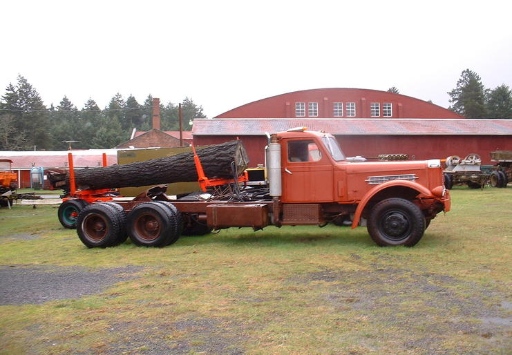 http://www.badgoat.net/Old Snow Plow Equipment/Trucks/Sterling Trucks/Sterling Trucks/Sterling Trucks/GW741H514-2.jpg