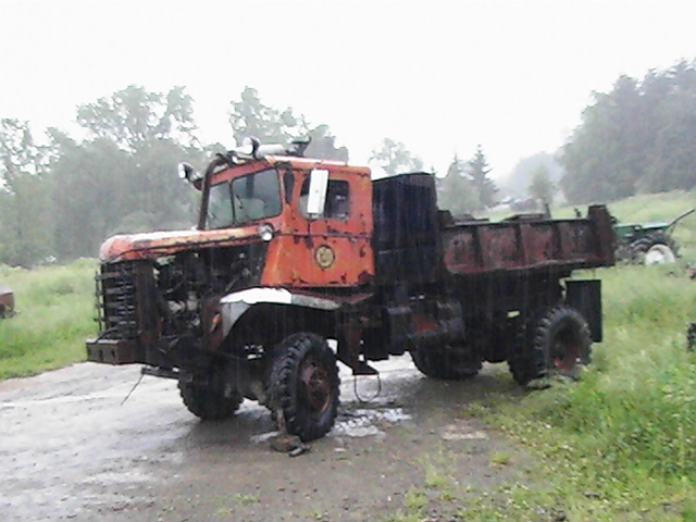 http://www.badgoat.net/Old Snow Plow Equipment/Trucks/Walter 100 Traction/Ellicottville NY Walter JR/GW640H480-1.jpg